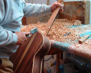 Luthier Paris : un artisan d'art maîtrisant les subtilités de l'instrument de musique