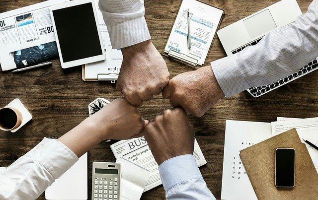 Team building : amener une cohésion de groupe grâce à des activités originales et souder ses équipes