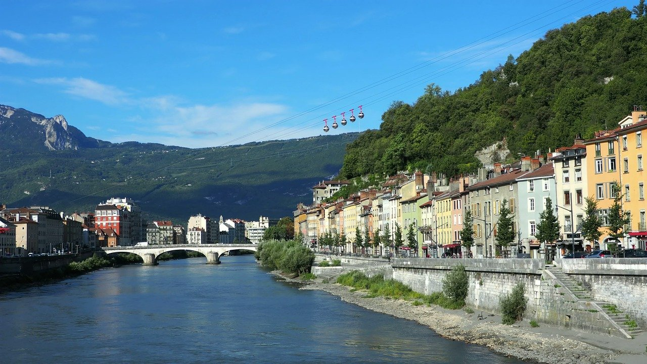 Evolution prix immobilier Grenoble : un marché stable